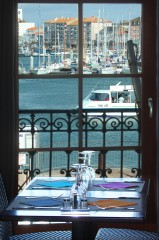 L'Echelle (Les Sables-La Chaume) vue de fenêtre étage.jpg